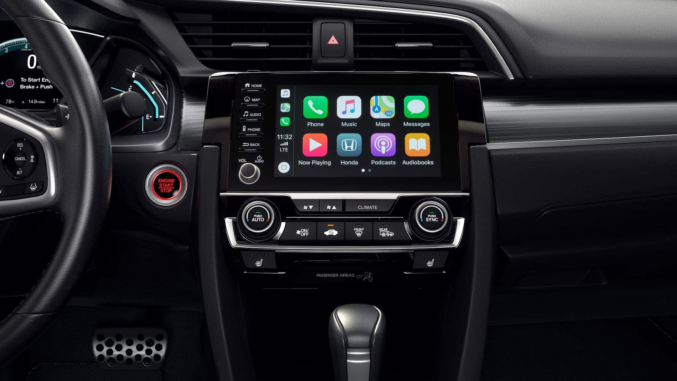 Detalle de Apple CarPlay® en el sistema de audio en pantalla táctil del Honda Civic Touring Sedán 2020.